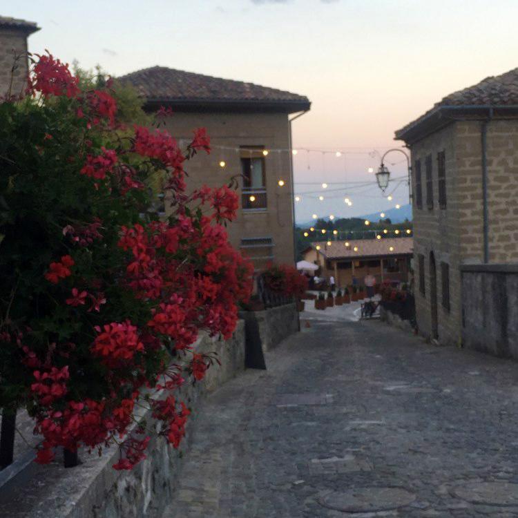 Montemonaco tramonto